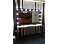 Mirror Hollywood Make Up